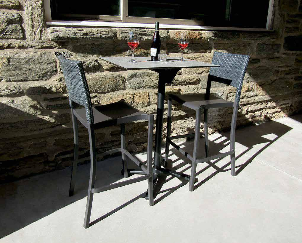 Get Ready for the Summer with Grosfillex Exterior Table Tops